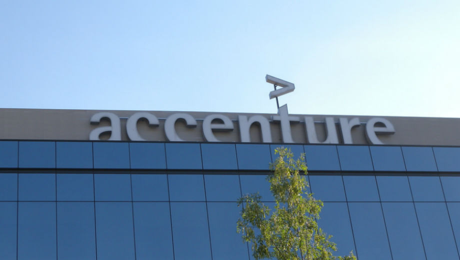 Accenture (CC BY 2.0 by Ricardo Ricote Rodríguez/https://www.flickr.com/photos/ricote/4779078739)