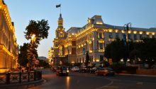 Baku (CC BY 2.0 by Francisco Anzola/https://www.flickr.com/photos/fran001/18611349705)