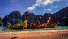 Thailand Beach (Public Domain Mark 1.0 by Maher Najm/https://www.flickr.com/photos/mahernajm/20788071844)