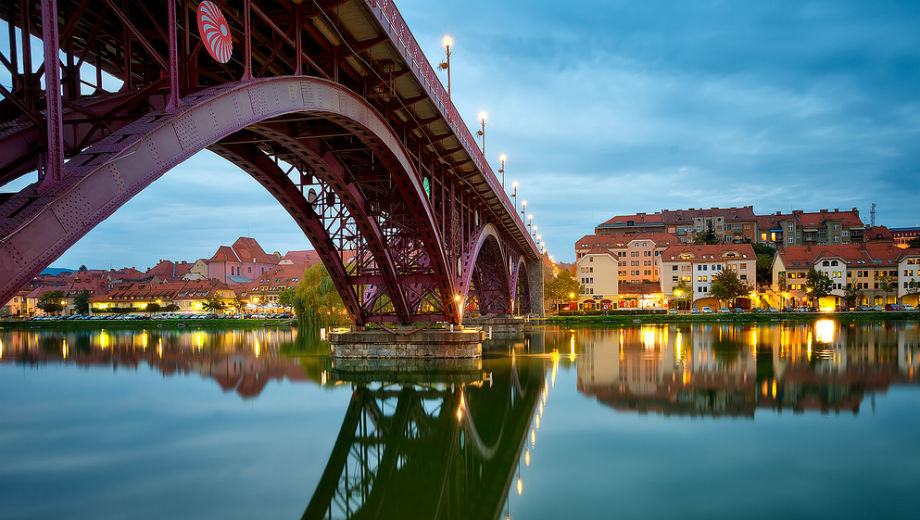 Bridge in Maribor (Image CC 2.0 by Meraslov Petrasko /https://www.flickr.com/photos/theodevil/13151477763)