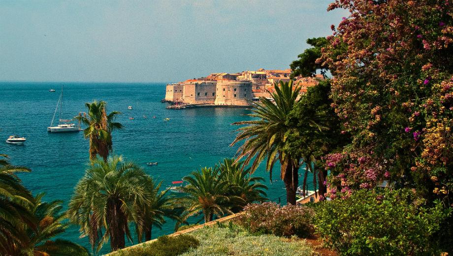 Dubrovnik (CC BY 2.0 by Trish Hartmann/https://www.flickr.com/photos/21078769@N00/10999363193)