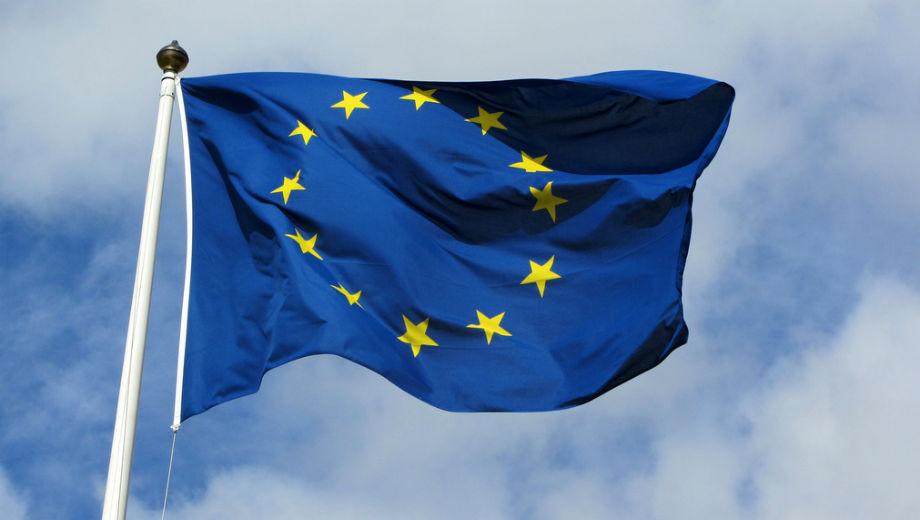 EU Flag (CC BY-SA 2.0 by Bobby Hidy/https://www.flickr.com/photos/mpd01605/6755068753)