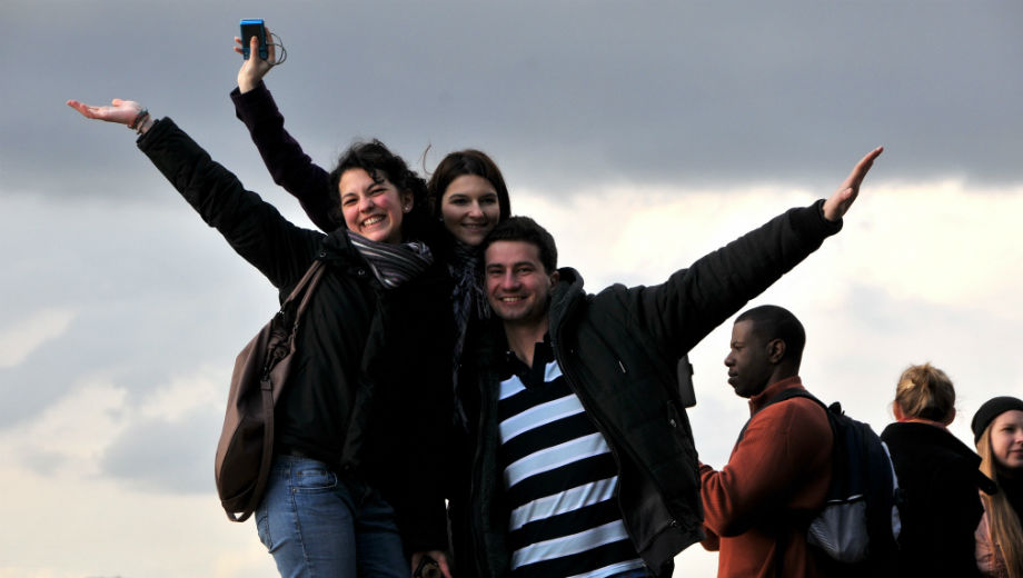 Erasmus students (Image CC BY-NC-ND 2.0 by ISCTE-IUL /https://www.flickr.com/photos/iscteiul/5407341560)