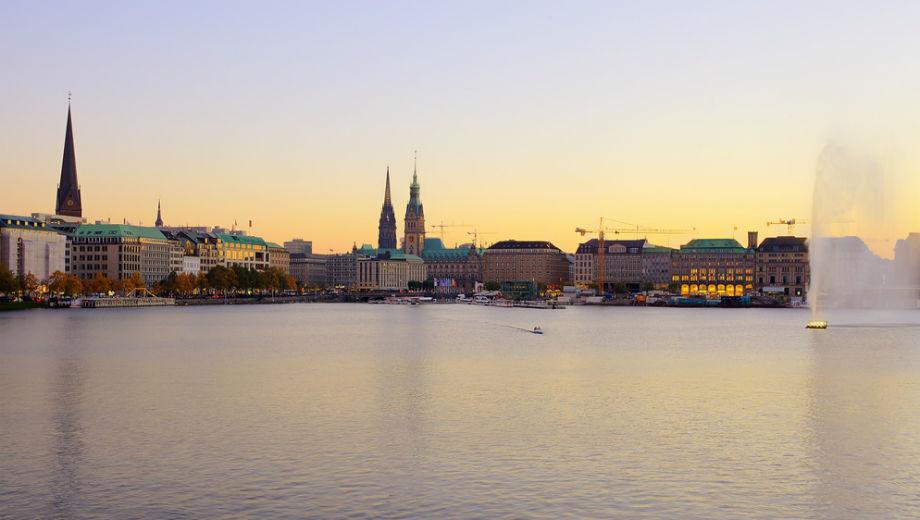 Hamburg (CC BY-SA 2.0 Thomas Ulrich/ https://www.flickr.com/photos/lobostudio/5070796158)