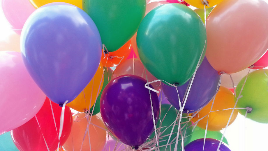 Luftballons (CC BY 2.0 by amade_a/https://www.flickr.com/photos/amade_a/7706985802)