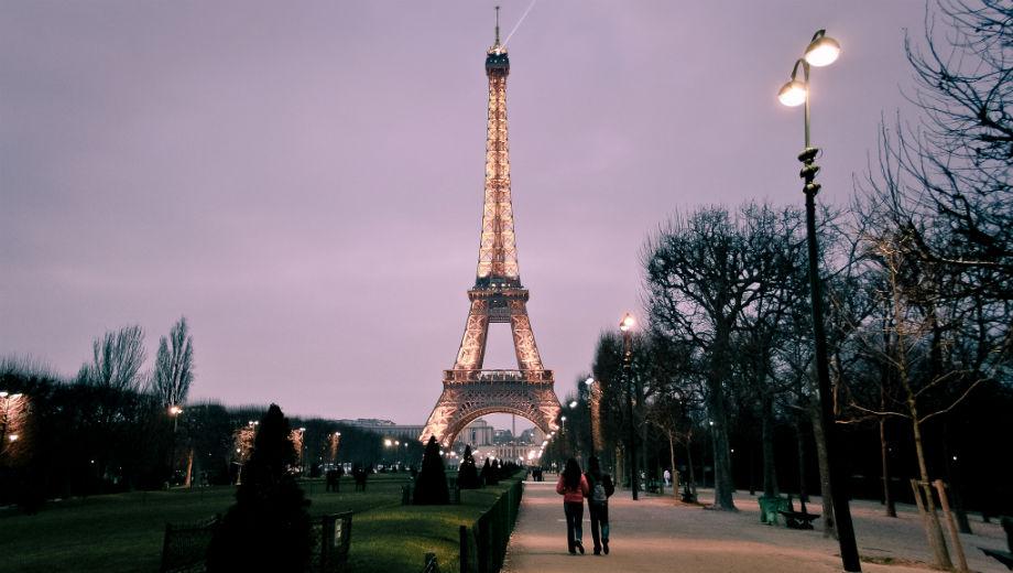 Paris (CC BY-SA 2.0 by Hernán Piñera/https://www.flickr.com/photos/hernanpc/8201360248)