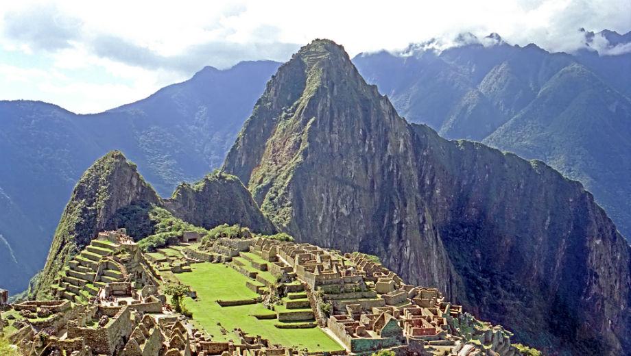 Peru (CC BY-SA 2.0 by Dennis Jarvis/https://www.flickr.com/photos/archer10/2217911855/in/photolist-4nZnVz-4nWEi6-4nZopn-r1y8Yv-qcRNSA-rvceab-4nWh7c-rafr4W-zxSx87-sxTQtJ-sbptcA-qRSGB2-yc1zva-tmJMUM-s9ofeB-vtHyyn-ytvAi3-skJ7E8-t1ywSf-d4kNgw-8mKWYn-rWjgks-sbM22c-spRhLa-tn1r4y-remkC4-z6AgvL-u4Hjmu-qfqWQb-r7P5FT-4nWkve-oERmgK-r1B4AM-y7rrER-whSvu9-tkLKpF-uJdpu7-uzphXj-d4kPH3-vhPYPo-wqR68S-uDhSTC-4zyCT6-ed5rmo-edLe2m-w1wYPp-upn9Xd-rk7pUc-rVu3Qz-FvL26u)