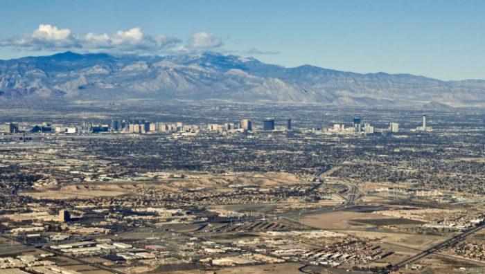 Las Vegas, Nevada (Bert Kaufmann CC by 2.0 https://www.flickr.com/photos/22746515@N02/8309080001)
