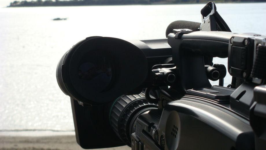 Videocamera ( CC BY-SA 2.0 by atsushi masegi/https://www.flickr.com/photos/mvj/2288114358)