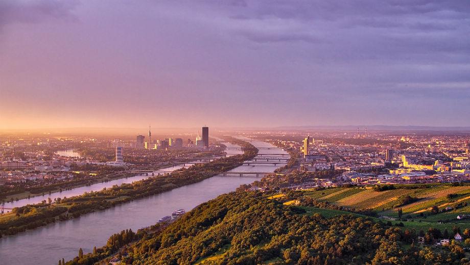 Vienna (CC BY-SA 2.0 by Thomas Fabian/ https://www.flickr.com/photos/126875359@N03)