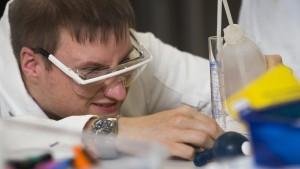 Young Science - Zentrum für die Zusammenarbeit von Wissenschaft und Schule (CC) by ChemieBW