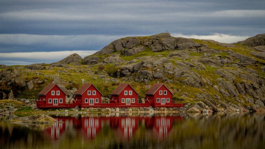 Norway (CC BY-SA 2.0 by Sten Dueland/https://www.flickr.com/photos/stendueland/15377071480/in/photolist-pqPvC5-MoC6Z6-cixr6q-aEfB8t-eL74hs-cfRsuw-KUUTrU-cixrG5-nHvGV6-cfRrpw-9jG2s-BW4nXo-zQhce7-nUetk-AQkLAH-m6Jsag-mn2vrv-a6dgnr-mn1ad8-8mcNnP-B53STm-oKMuqq-xVJWfK-BEcWEK-dWDfL4-nhY6J-e3HPTh-dWJts1-8wKgSv-9njhmm-79CMmq-kk5Zr-cShE2o-9Jpnrt-coNbu7-d1YtDL-r1FnBP-ovG8xp-8F7f2Z-4nvuYm-ebENas-oq3CdY-9NxCfU-bsFBt6-doBGbD-jK1m7-9bBKJM-GEPZis-e69utm-fedR9N)