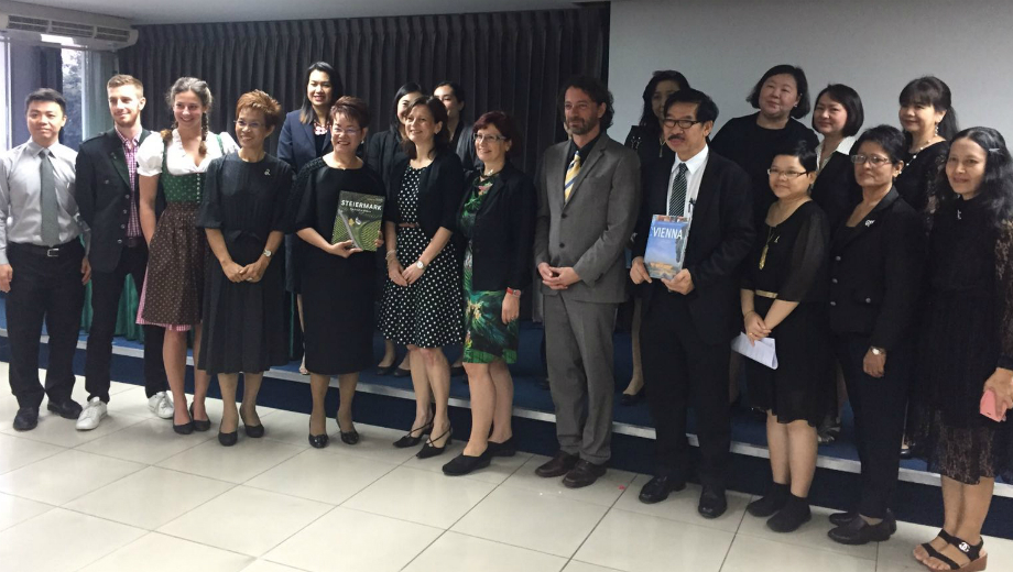 Sharing and Learning about International Modern Education, Bangkok, Thailand (Image CC by Simba)Sharing and Learning about International Modern Education, Bangkok, Thailand